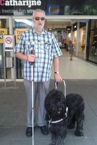 Wim en geleidehond Meron